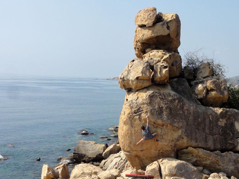 hang-rai-bouldering
